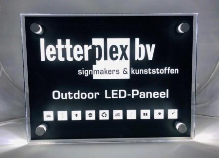 LED verlicht buiten bord met logo